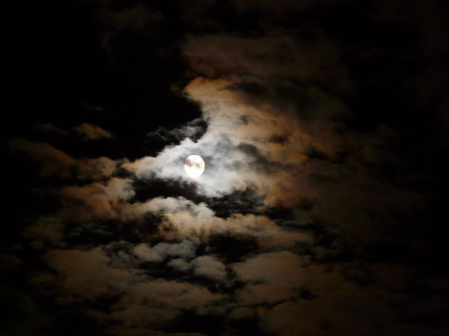 night_moon_clouds